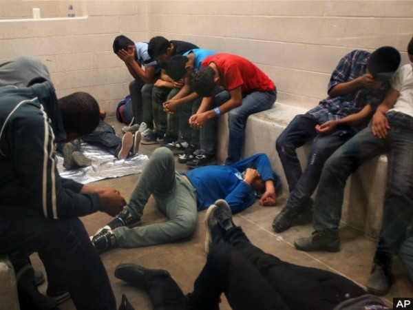 unaccompanied-minors-sitting