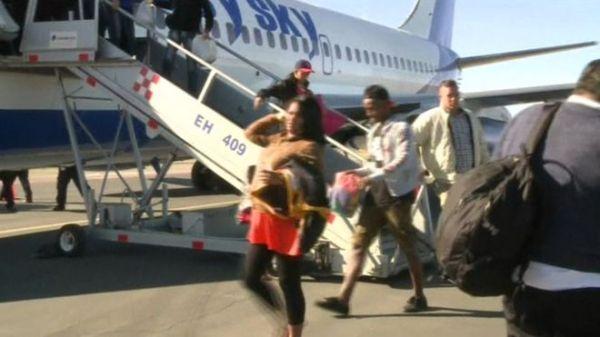 Cubans-at-Airport